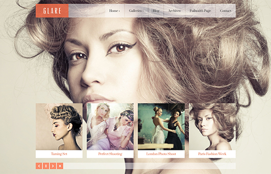 Screenshot of WordPress theme for photographers Glare on Laptop